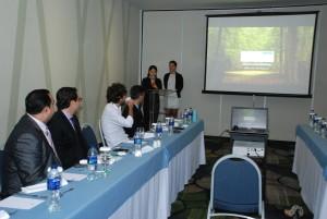 Mariana Ju hace la presentacion del proyecto.
