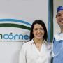 Nicole y Juan Francisco Batlle Logroño, administradora y director del Banco de Córneas, respectivamente.