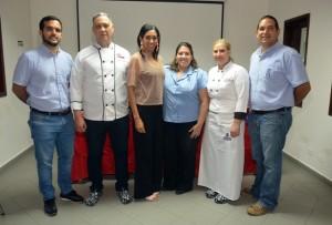 Salvador Nunziata, Francis Cabreja, Rosa Arredondo, Presidenta ADCS; Verónica Díaz, coordinadora académica; Chef Annie Camacho y Edgardo Morales.
