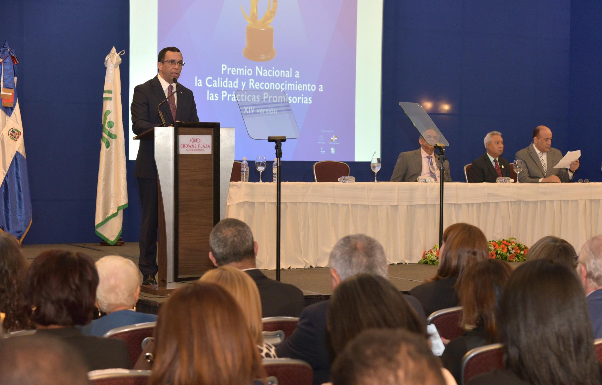 Ministro de Educacion Premio