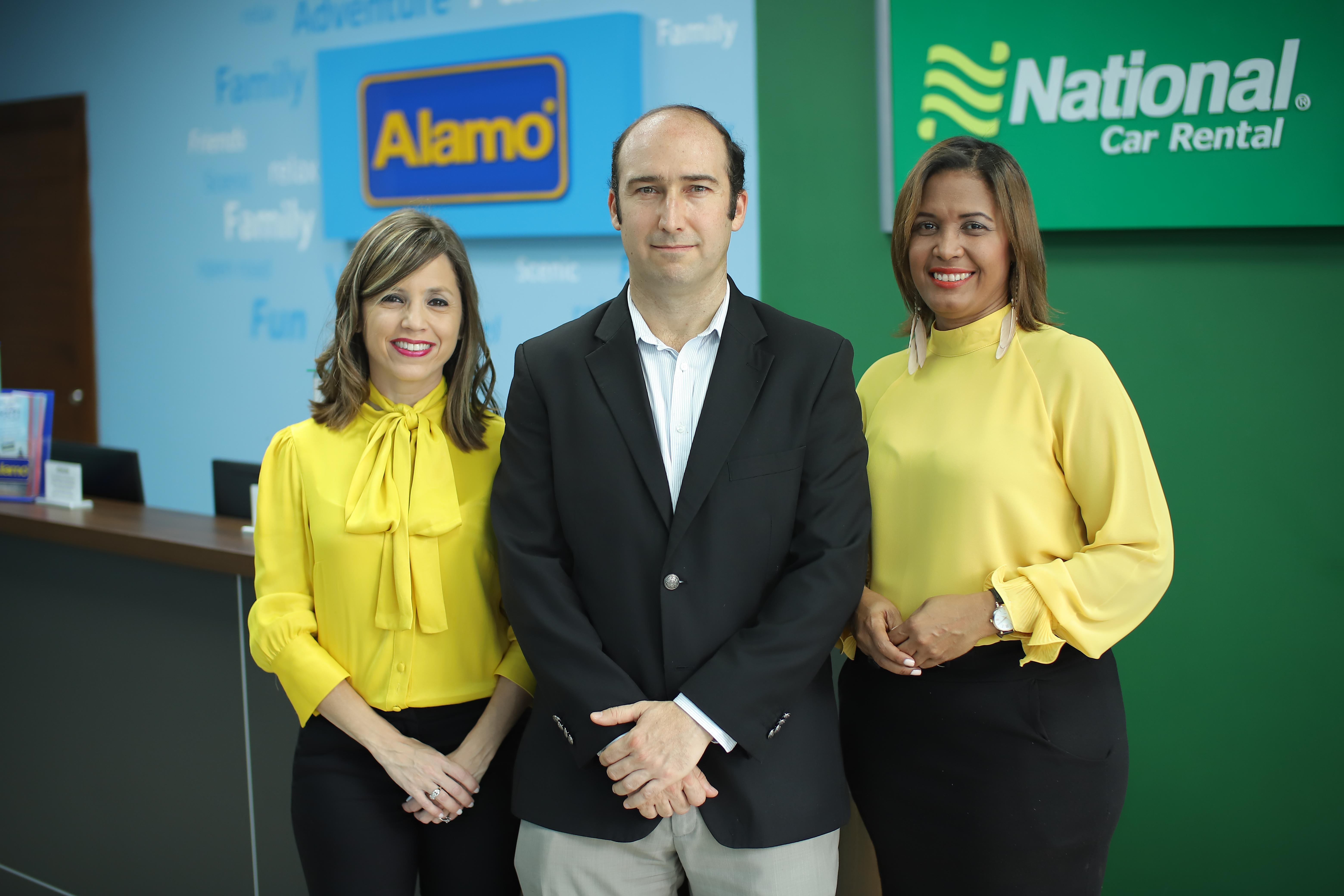 Analie Prieto Vicepresidente, Jose Muniz Gerente de Venta, Grecia Volquez Supervisora Regional Zona Sur