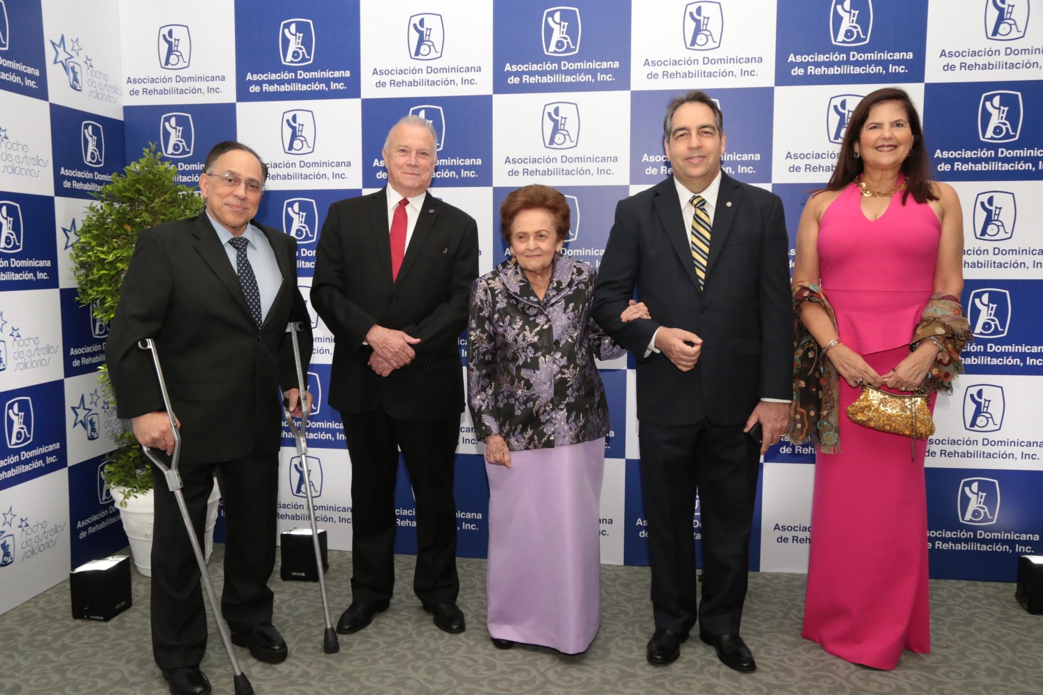Foto principal Celso Marranzini, Arturo Pérez Gavino, Mary Pérez viuda Marranzzni, Eduardo Tolentino y Sonia Villanueva.