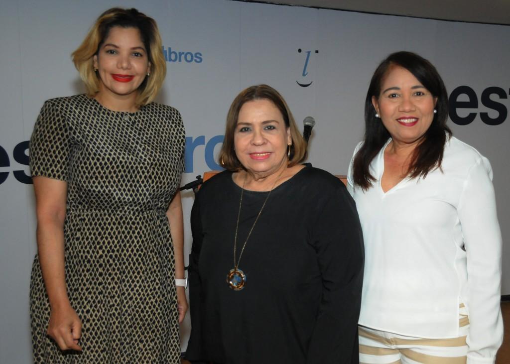 Hilaria Hilario, Mirna Pimentel y Martha Garcia de Belliard. (1)