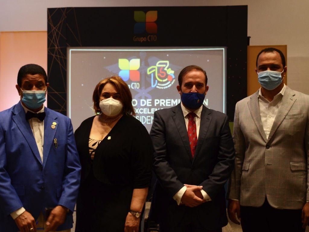 Los doctores Miguel Polonio, Ramona Mercedes, Elisa D` Ángelo y William Duke.